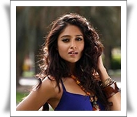 Ileana in Julayi