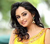 Madirakshi Mundle (High Definition) Photos