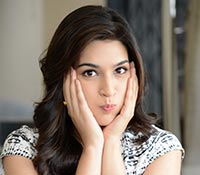 Kriti Sanon (Posters) Photos