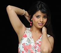 Komal Sharma Photos