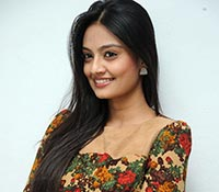 Nikitha Narayan Photos
