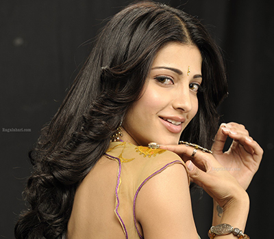 Shruthi Haasan (Posters) Photos
